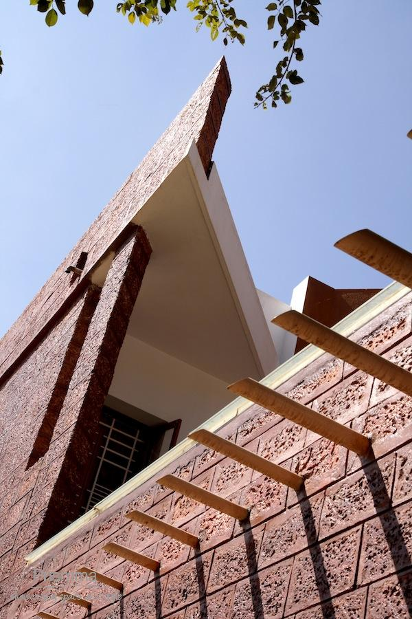 Laterite as a building material interior design travel for Best material to build a house