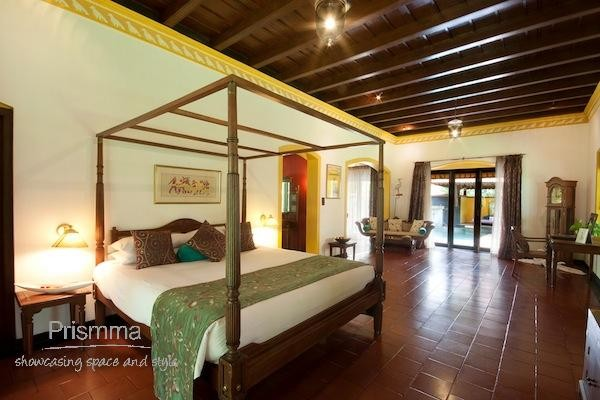 four poster bed design vivanta-kumarakom-08