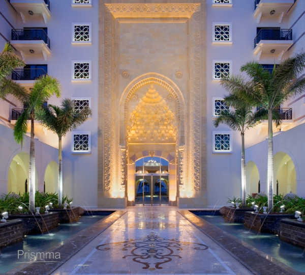 Dubai luxury hotel jumeirah zabeel saray interior design for Hotel entrance decor