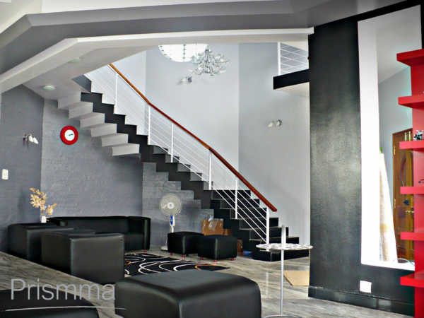 Staircase design options and ideas interior design travel for Interior staircase designs india