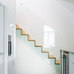Glass staircase: Advantages and disadvantages