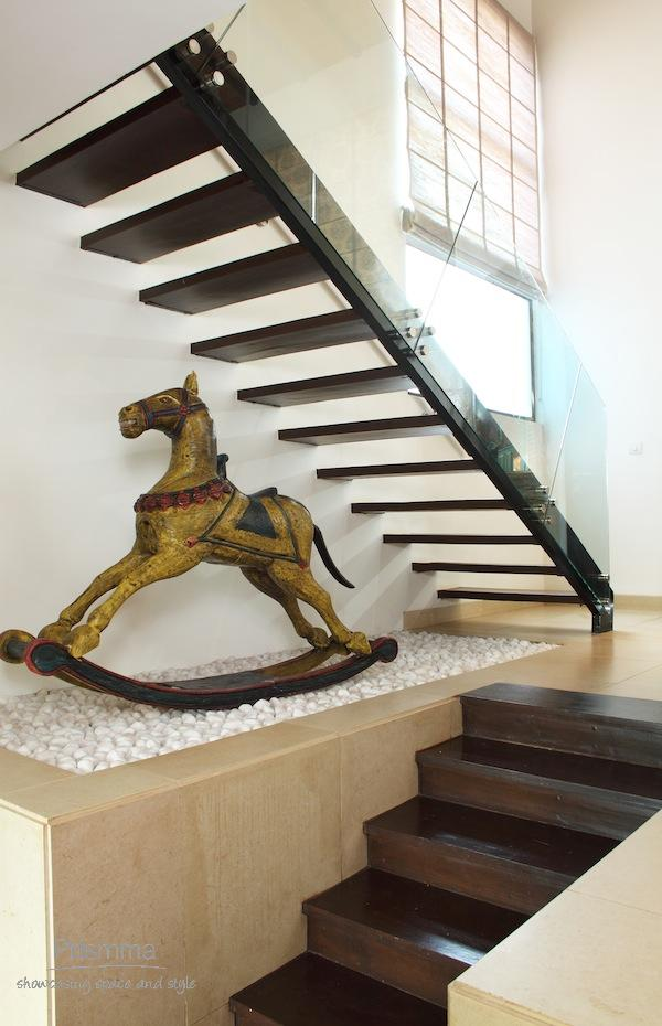 Various types of staircases in modern homes interior for Different kinds of stairs