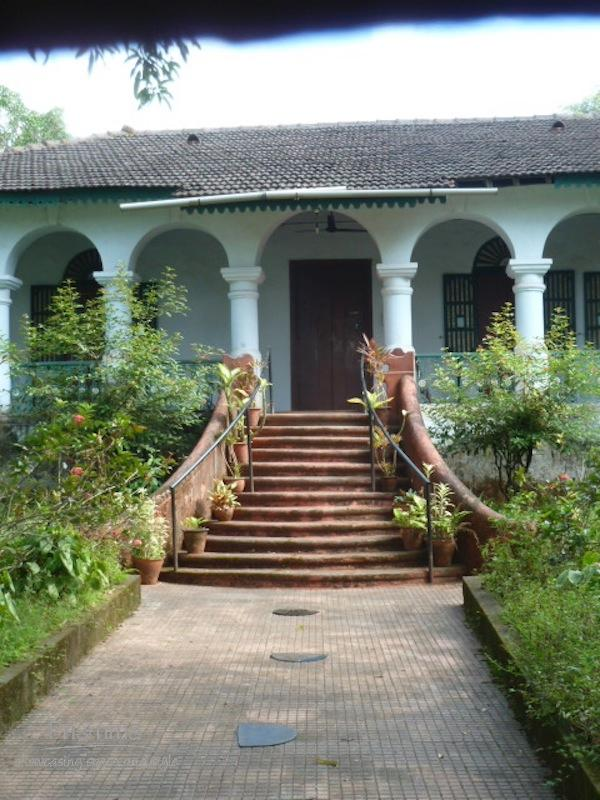 traditional goan home entrance Goa 36